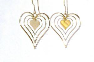 Geel gouden hart oorbellen - handgemaakt maatwerk door goudsmid teun van de Vorst uit Wijchen