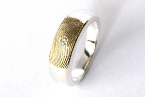 Asring zilver met vingerafdruk en diamant Teun goudsmid Wijchen Nijmegen assieraad