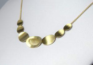 Gouden collier met vingerafdruk Teuns Design goudsmid Wijchen