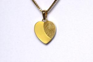 Hart goud met vingerafdruk Teuns Design goudsmid Wijchen